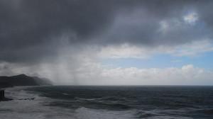 800px-Sea_Cliff_Bridge_During_Rain_Storm
