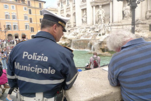 Halliday painting Trevi Fountain in Rome. Photo: camburnfineart.com