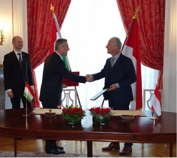 S.E. Mr. Homidjon Narov, Ambassador of Tajikistan to France and HE Mr Claude Cottalorda, Ambassador of Monaco to France. Photo: ©DR