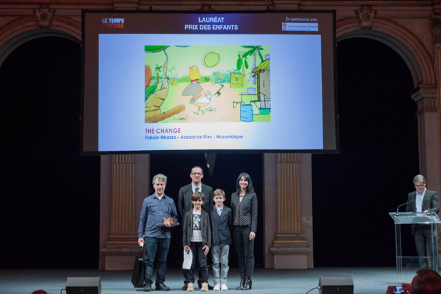Fabian Ribezzo, laureate, Sachel and Louis, representatives of the children's jury with their teacher Saïd Alioui (Ecole Saint Charles), Candice Manuello (Directorate of International Cooperation), and Marc Oberon, Festival creator. Photo: © facebook.com / declictmsp2015