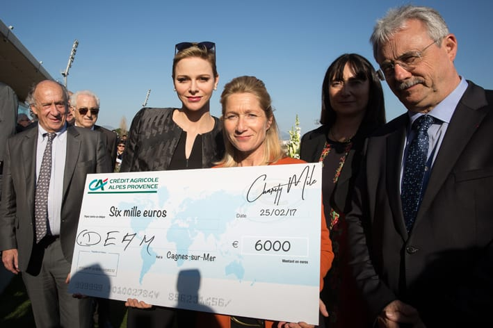 The Princess awards second place to CDEAM-Handi Mobile Equitation. Photo: Kasia Wandycz/Palais Princier