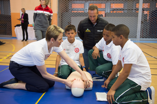 Princess Charlene and the first aid and water safety session for the South African exchange pupils at Charles III on Friday March 17. Photo: Eric Mathon/Palais Princier