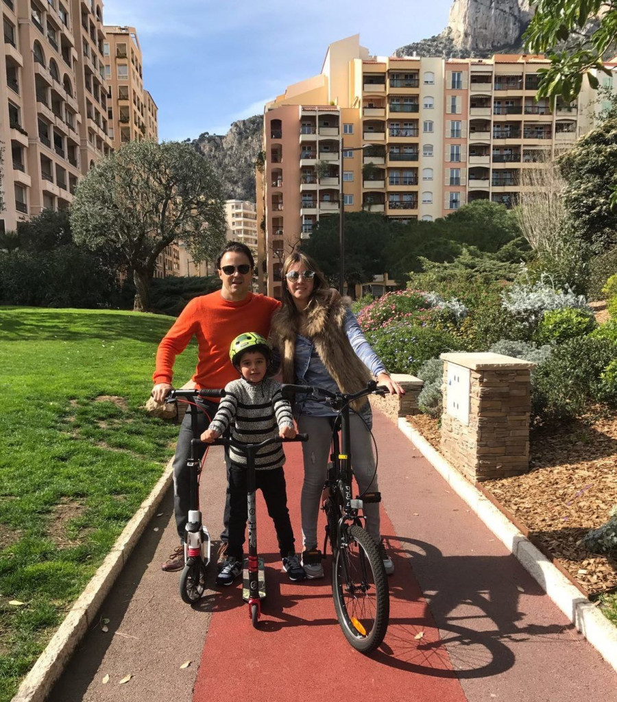 Felipe with wife Anna Raffaela Bassi and son Felipinho