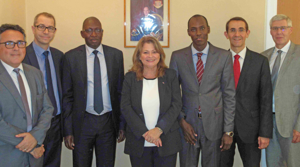Marie-Pascale Boisson, Director of SICCFIN, together with the Senegalese delegation and colleagues. Photo: DC