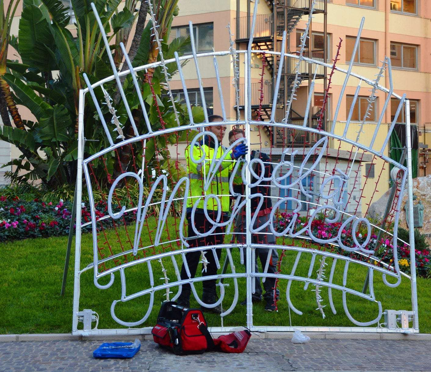 Christmas light installation begins. Photo: Mairie de Monaco