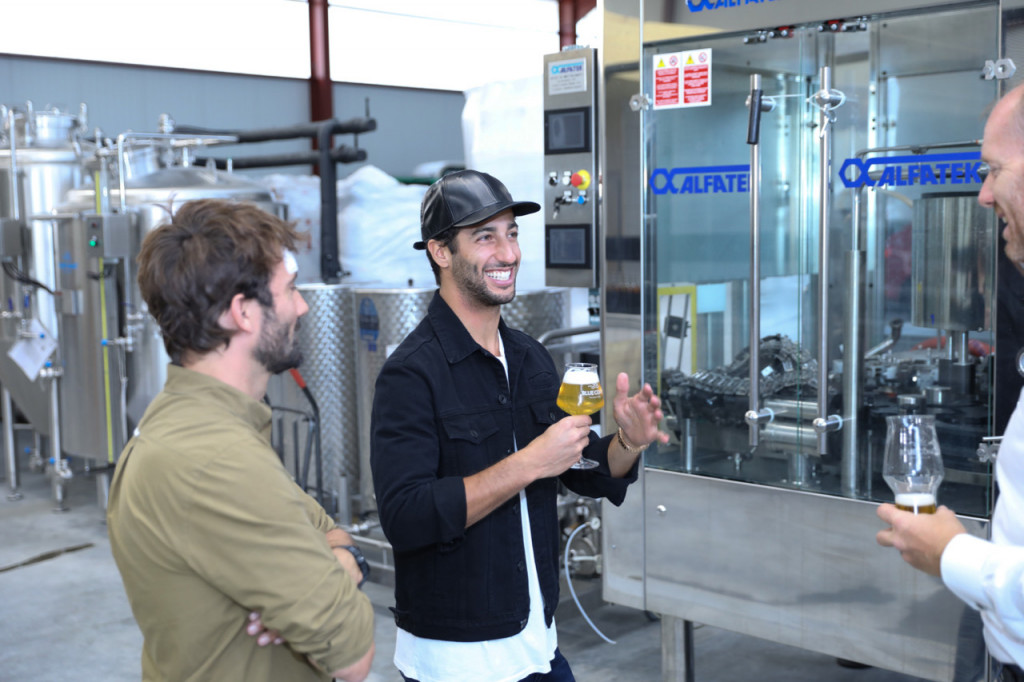 F1's Daniel Ricciardo at Blue Coast Brewing
