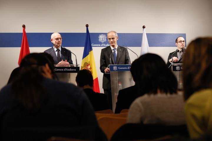 Serge Telle, Minister of State, with Antoni Martí Petit, Head of the Government of the Principality of Andorra, and Nicola Renzi, Minister of Foreign Affairs, Political Affairs and Justice of the Republic of San Marino. Photo: DC