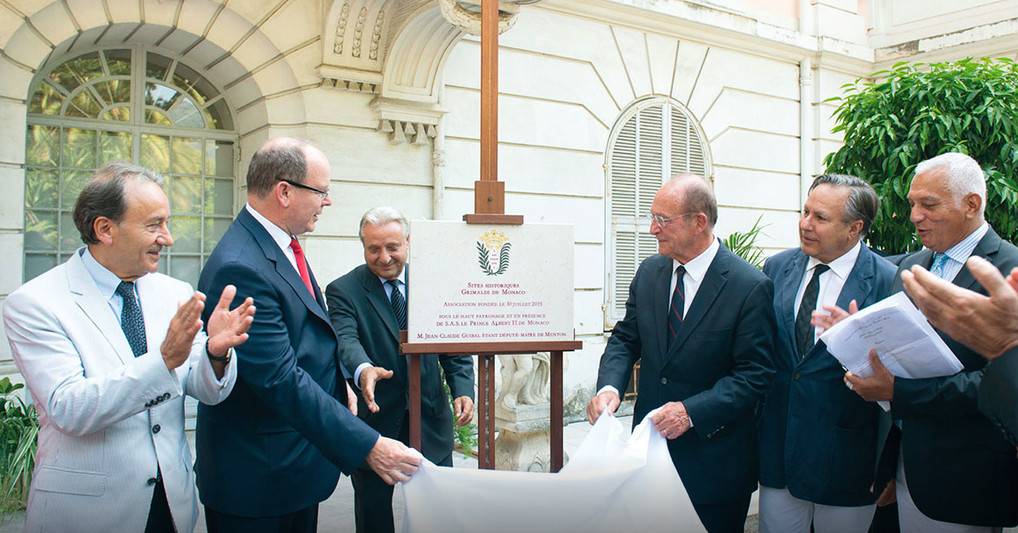 The association Grimaldi Historic Sites of Monaco was officially launched on July 10, 2015 in Menton at the Palais de Carnolès. The plaque was unveiled by Honorary President, Prince Albert II, and President Jean-Claude Guibal, then Deputy Mayor of Menton. Photo: Palais Princier