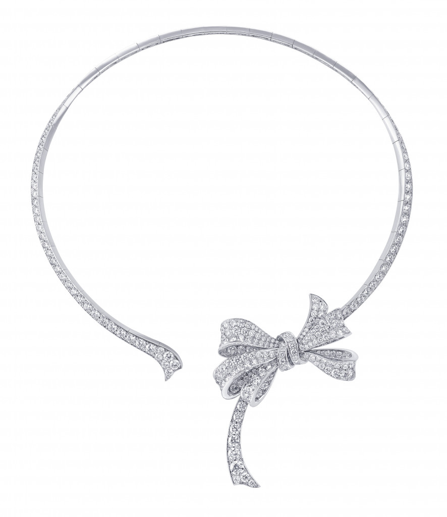 Bow open diamond necklace (Diamonds 18.46cts)