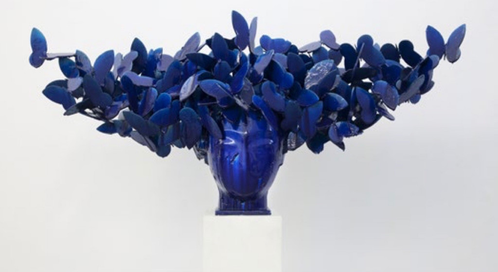 Manola Valdés, Mariposas azules, 2016. Photo: Opera Gallery