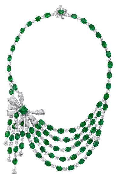 Photo: Graff Emerald and Diamond Bow Necklace (Diamonds 59.10cts, Emeralds 123.91cts)